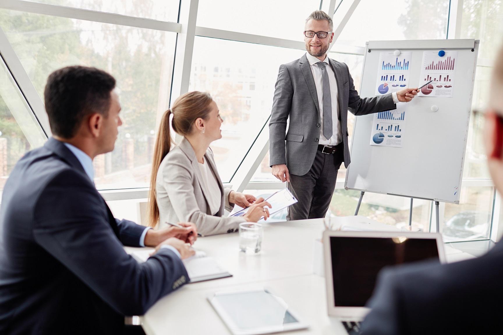 Hvordan-kan-ledere-utvikle-selgere